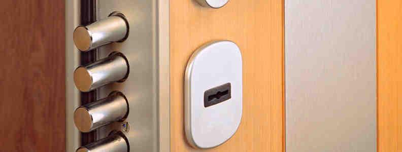 cerradura de seguridad 792x300 - Cambiar Cerradura Chamartin Apertura Puerta Chamartin Precio