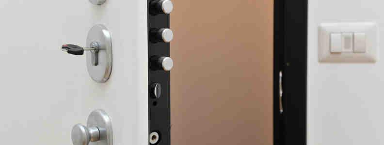 cerradura segura 792x300 - Cerrajero Fuenlabrada Urgente Cerrajeria Fuenlabrada 24 Horas