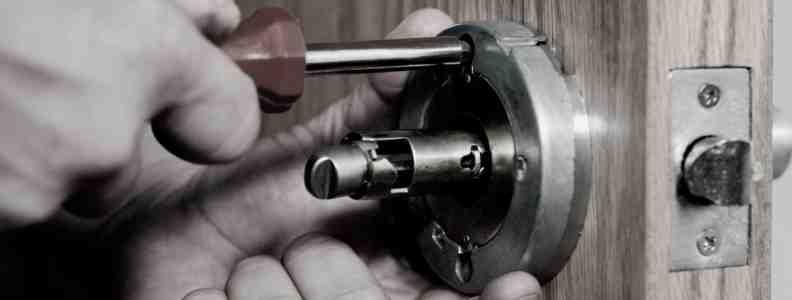 cerrajeros perturas 792x300 - Cambiar Cerradura Carabanchel Apertura Puerta Carabanchel Precio