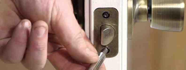 instalacion chapas cerraduras 792x300 - Cerrajero Chamartin Urgente Cerrajeria Chamartin 24 Horas