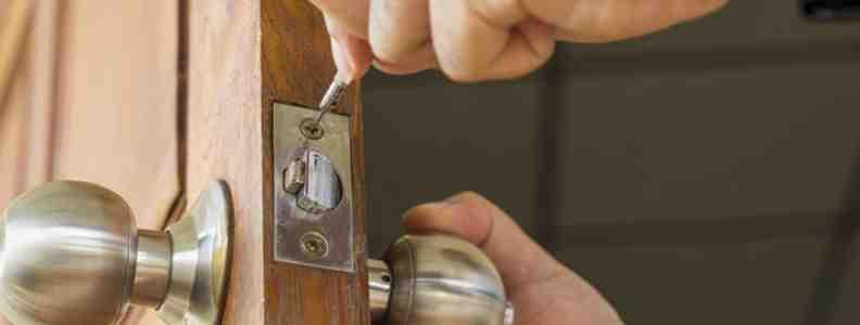residential locksmith 792x300 - Cambiar Cerradura Barrio Del Pilar Apertura Puerta Barrio Del Pilar Precio